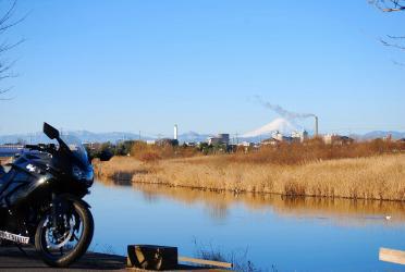 富士山と川とニンジャ