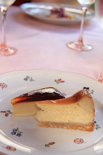 ゴマプリンとチーズケーキ