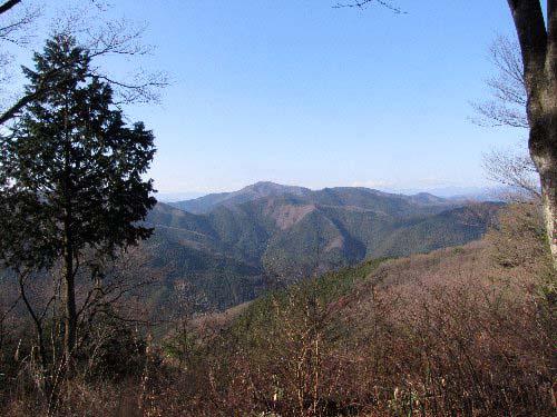 a 堂所山から奥多摩