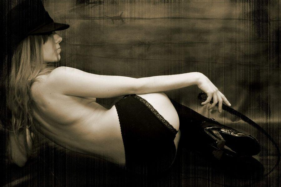 2011daily_erotic_picdump_24.jpg