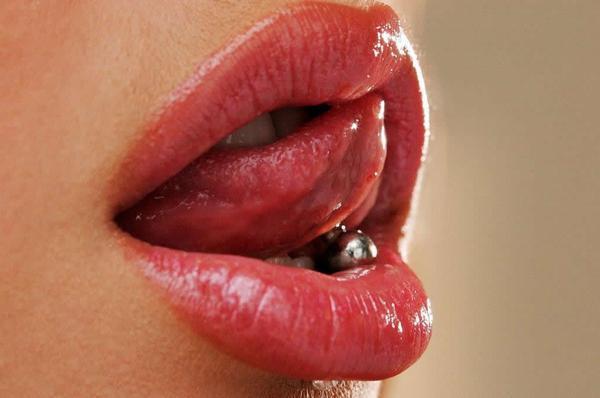 beautiful_womens_lips_9.jpg