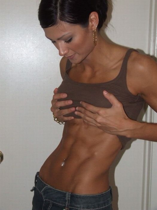girls_with_six_pack_01.jpg