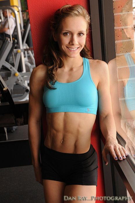 girls_with_six_pack_29.jpg