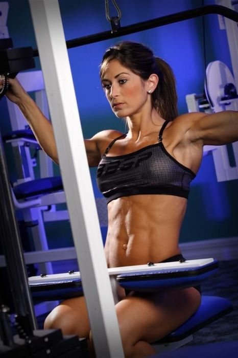 girls_with_six_pack_79.jpg