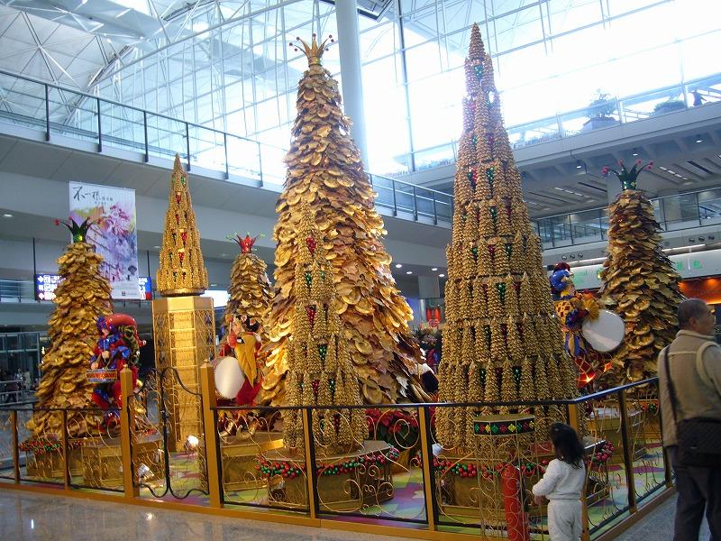 香港空港クリスマスツリー