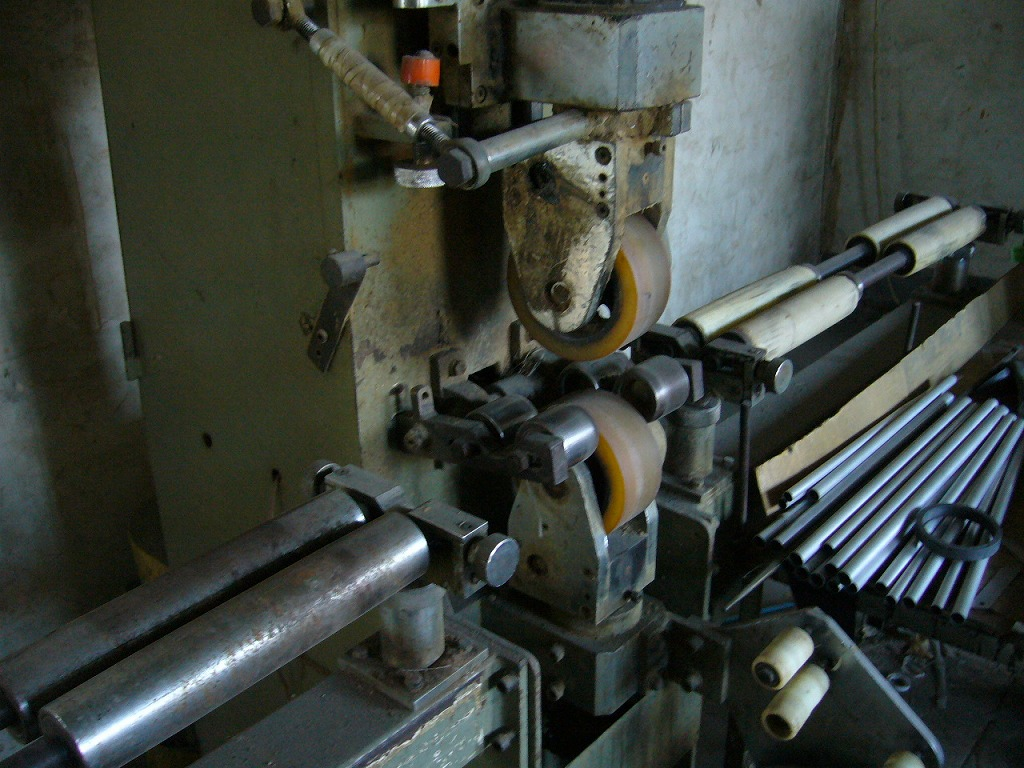 FRPフィルム テープ巻き機