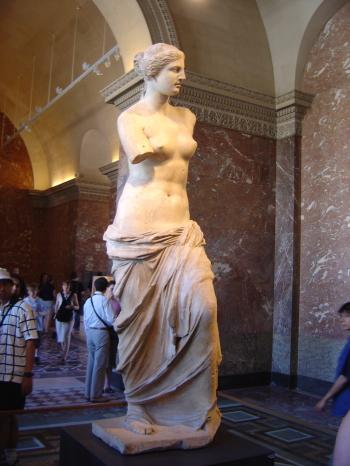 Louvre_Venus_de_Milo_DSC00900[1]