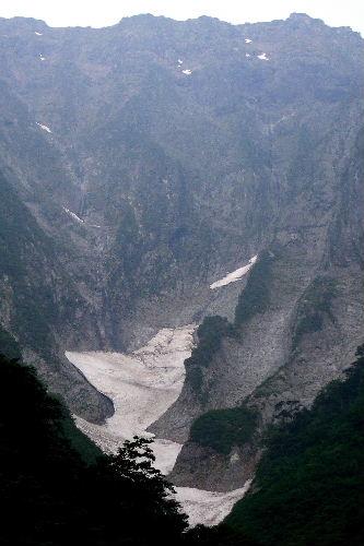 2010春 陶器市 030 谷川岳