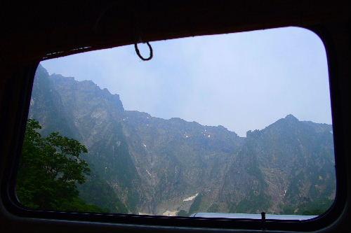 2010春 陶器市 033 谷川岳