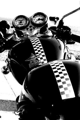 画像バイク 002 スラクストン トライアンフ