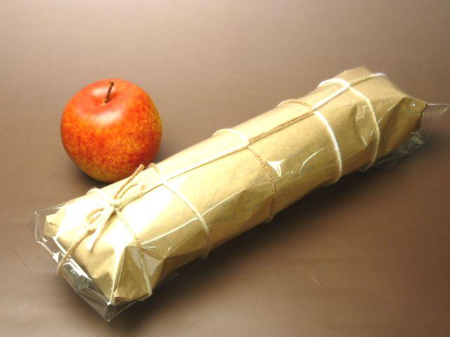 フランスパンを包む