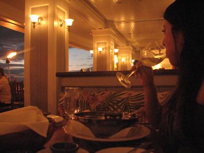 ハワイ レストラン オーシャンハウス