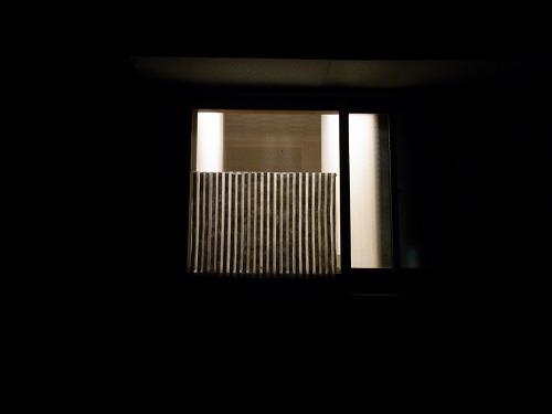 窓目隠しー夜編(屋外)