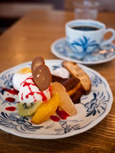 Cafe to 木造香舎 パフェ