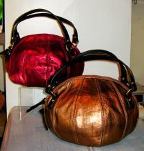 ボール型ハンドバッグ