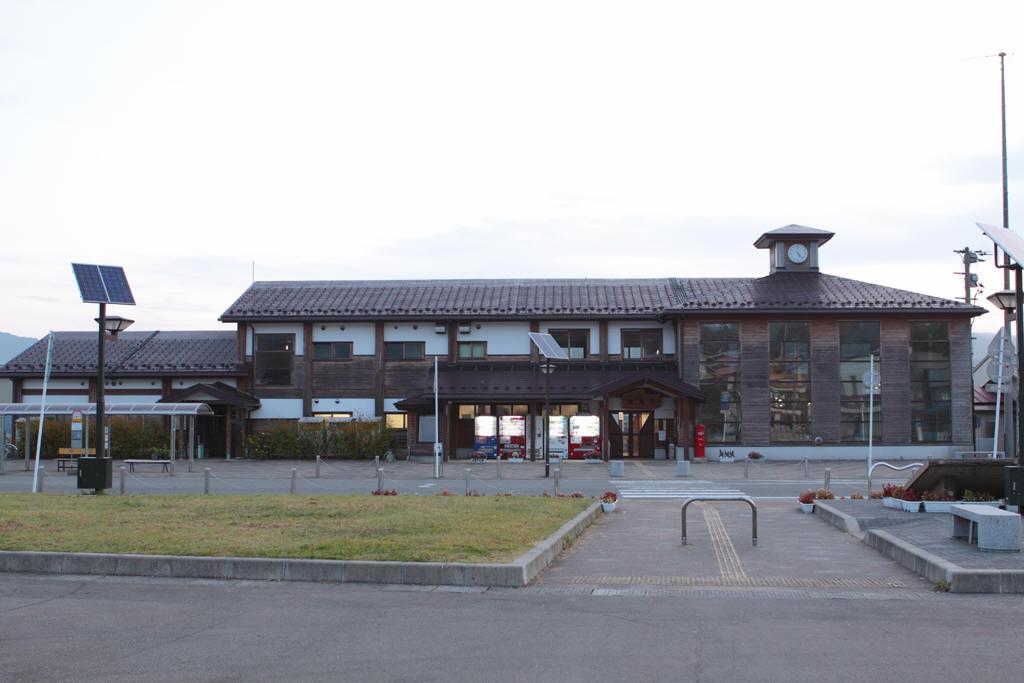 矢島駅駅舎