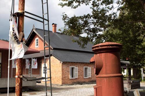 旧阿仁鉱山外国人官舎と丸ポスト