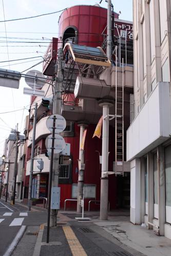 権堂町商店街アーケードの入口
