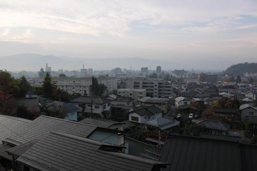 早朝の長野市内