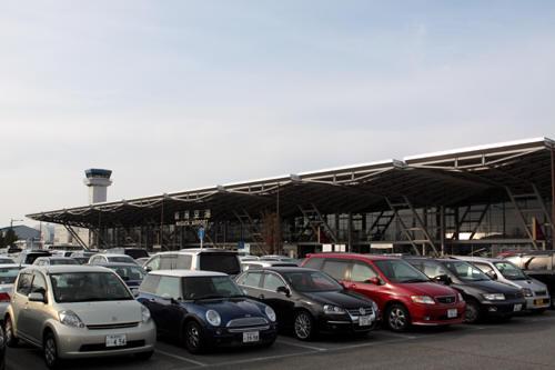 新潟空港駐車場