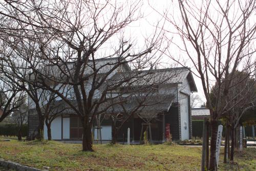 村松城址公園にある建物