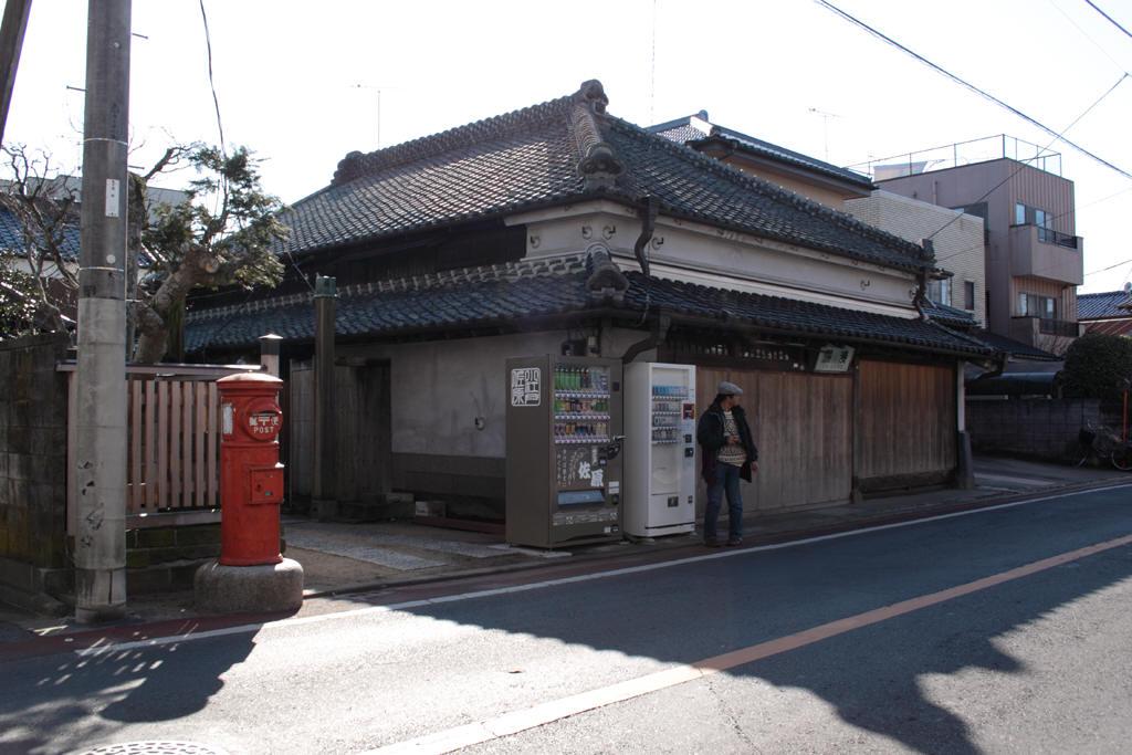 岡澤商店前の丸ポスト 2