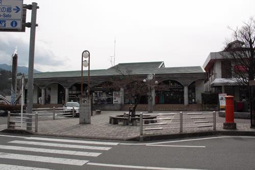 千頭駅の駅舎丸ポスト