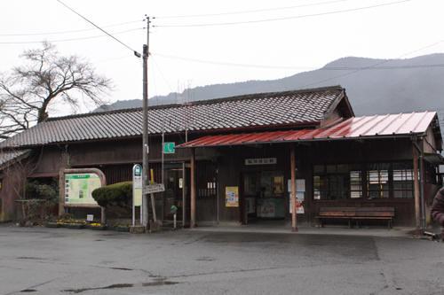 駿河徳山駅駅舎の様子