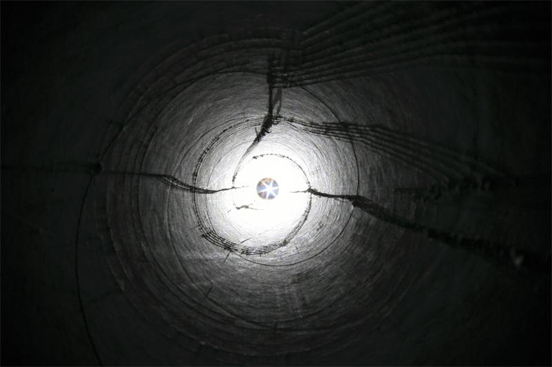 hole003.jpg