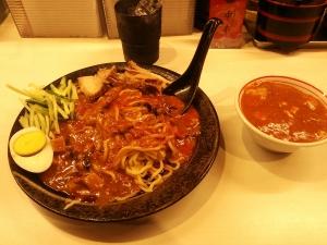 中本 肉肉麺だ