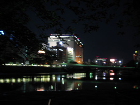 夜の川も綺麗
