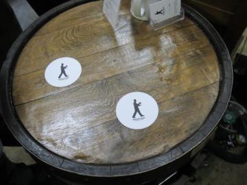 スタンドテーブルは樽