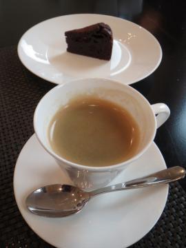 カフェとガトーショコラ