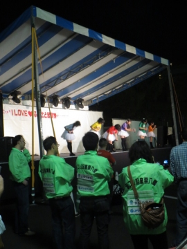 起業祭。地方アイドル、山口の10COLORSのステージ