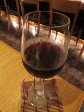 グラス赤 800円から。この日は、カリフォルニアワインでした