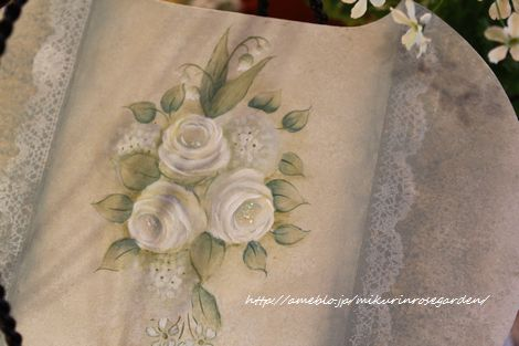 7白薔薇アップ