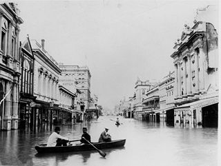 320px-1893_Brisbane_flood_Queen_St[1]