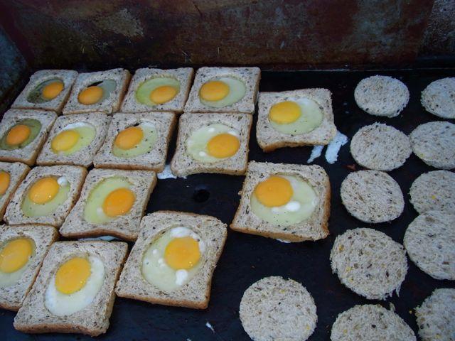 4:30朝目玉焼きパン