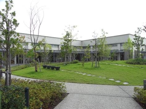 赤磐市中央図書館