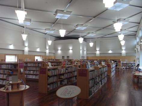 赤磐市中央図書館児童コーナー