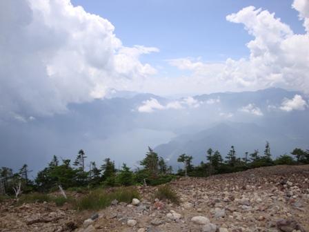 100724頂上から中禅寺湖
