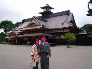 函館奉行所で記念撮影