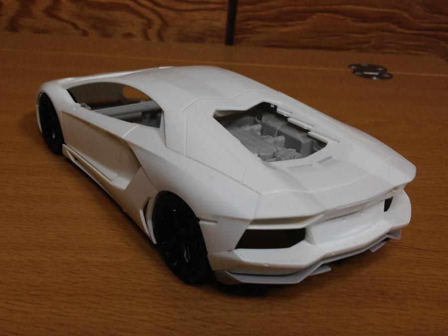 Lamborghini-Aventador_03.jpg