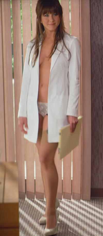 Jennifer-Aniston-in-Horrible-Bosses-Movie_convert_20111209235905.jpg