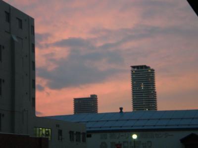 夕焼け。日が短くなりました・・・。