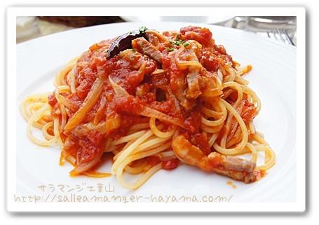 トマトとベーコンパスタ
