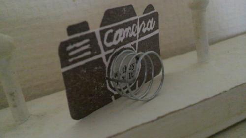 paper+wire camera