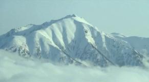 すっかり雪化粧された劒岳