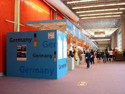 写真はギフトショーの会場(ドイツ)