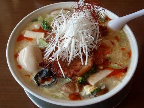 潤本店・十色菜パーコー酸辛麺